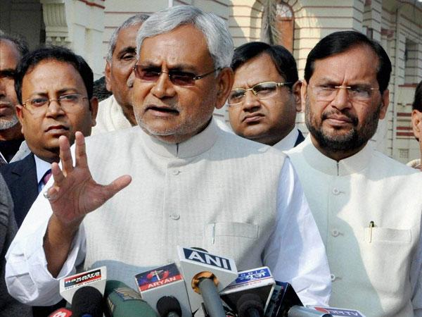 Nitish Kumar slams Cong- RJD alliance
