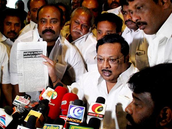 Rift in DMK: Alagiri hits back at Karunanidhi