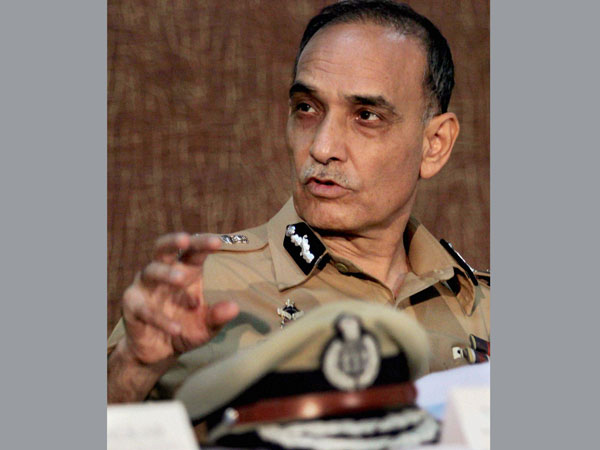 Mumbai police commissioner resigns, may join BJP or AAP