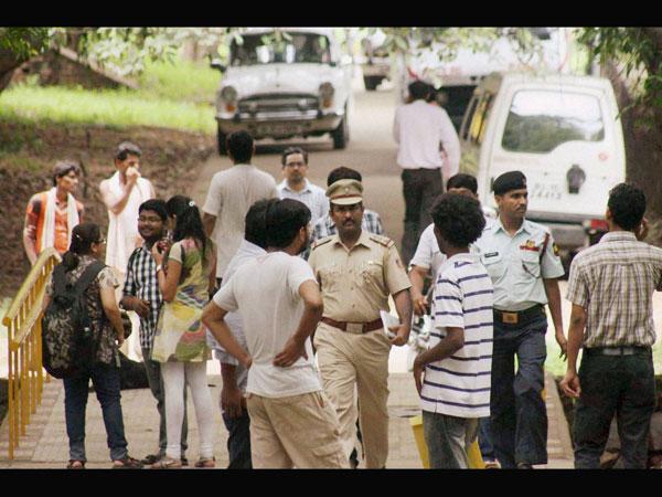 Congress leader in police custody