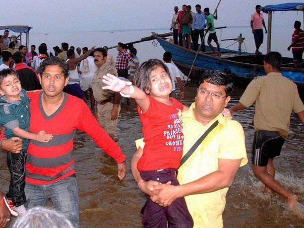 Boat overturns in Orissa dam, 13 dead