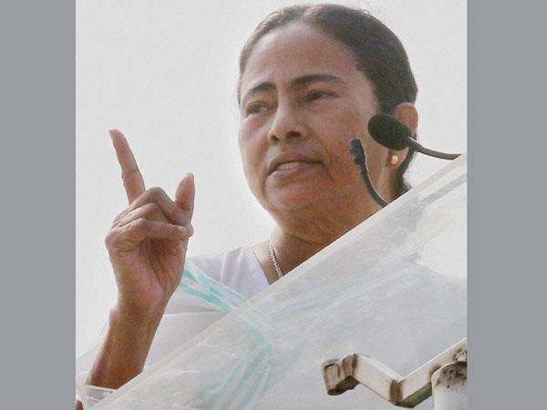 Mamata aims her gun at UPA govt