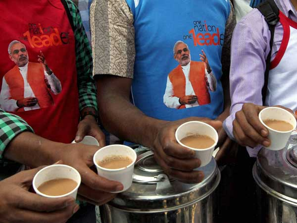 Modi to reach tea stalls through video
