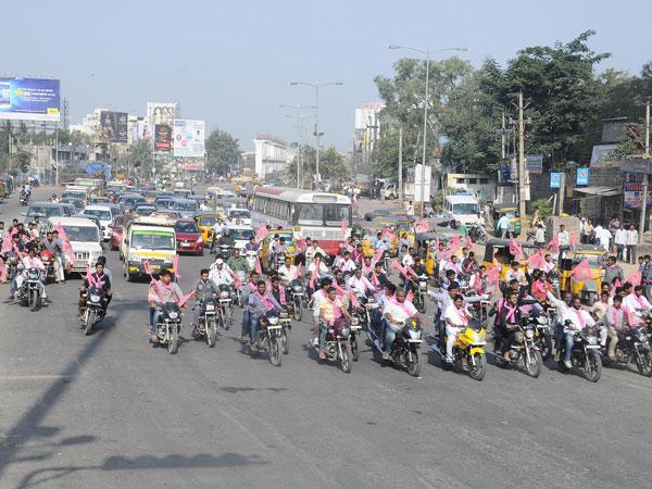 Seemandhra shutdown halts normal life