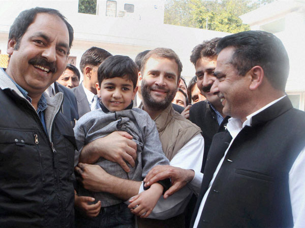 Rahul Gandhi gets friendly with a kid