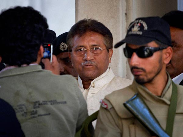 Musharraf appears before court in Pak
