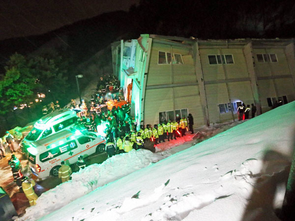 S Korea building collapse: 10 killed