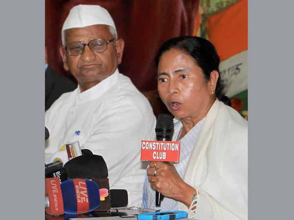 Hazare: Won't support Modi or Arvind