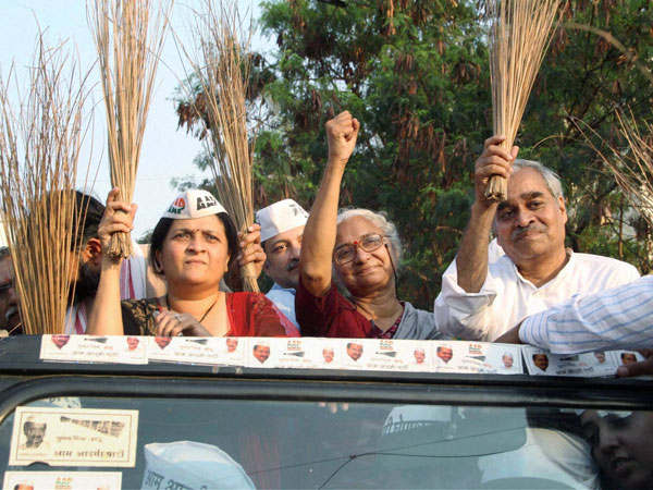 AAP leaders with Anjali Damania