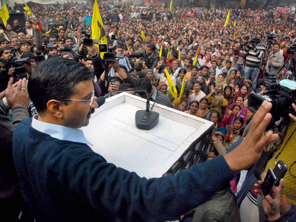 Kejriwal addresses Rohtak rally