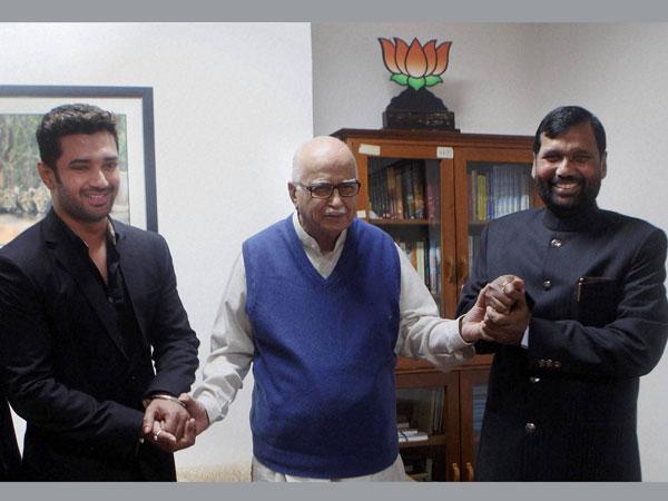 Ram Vilas Paswan meets LK Advani