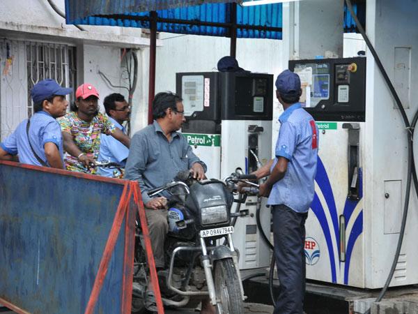 Petrol bunks in Hyderabad shut down