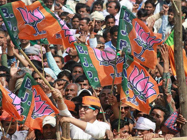 Poll predicts BJP wave in UP, Bihar