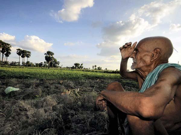 Pak PM announces aid to drought-hit area