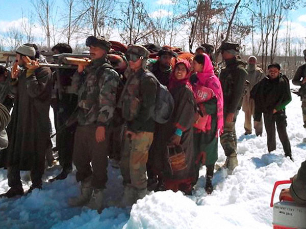 11 killed in avalanches, house collapse