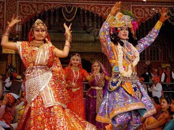 Holi frenzy grips Krishna land