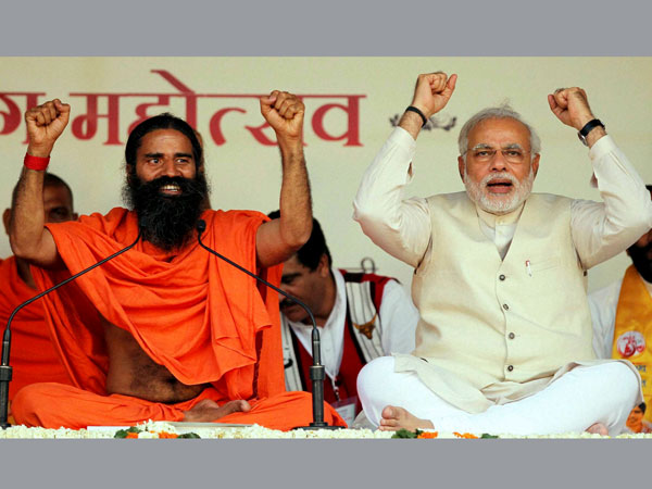 Narendra Modi with Baba Ramdev during 'Yoga Mahotsav'