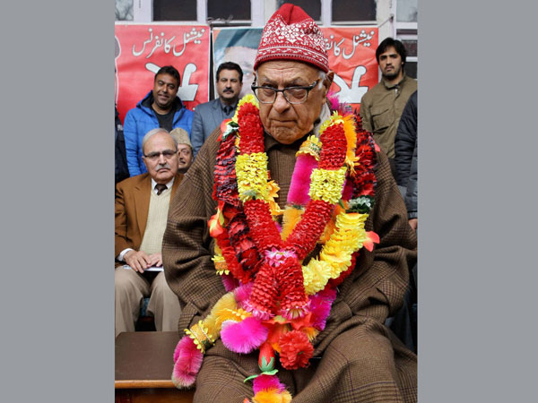 Farooq Abdullah during a workers meet