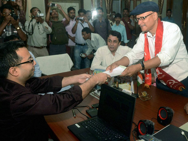 Sreedip Bhattacharya (R) files his nomination papers