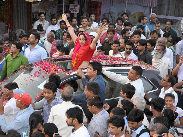 Hema Malini during her election campaign in Vrindavan