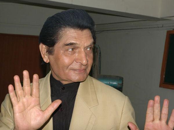 Bollywood actor takes a dig at Modi