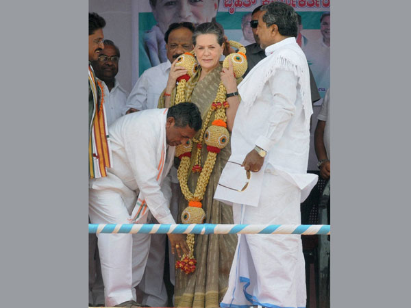 K H Muniyappa seeks blessings of party President Sonia Gandhi