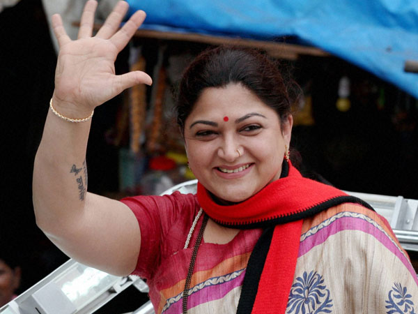 Actress Kushboo and DMK Leader addresses the Election Campaign Rally
