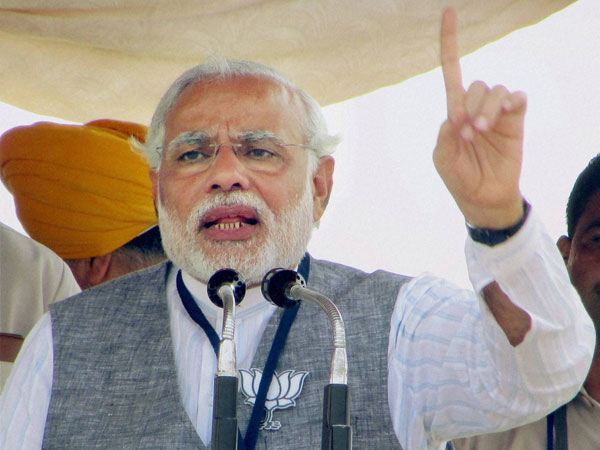 Narendra Modi at an election rally of BJP in Siliguri