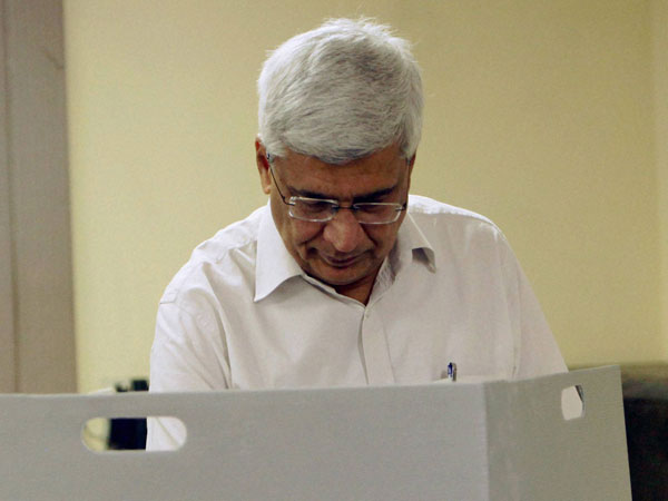 Prakash Karat casting his vote for the Lok Sabha elections