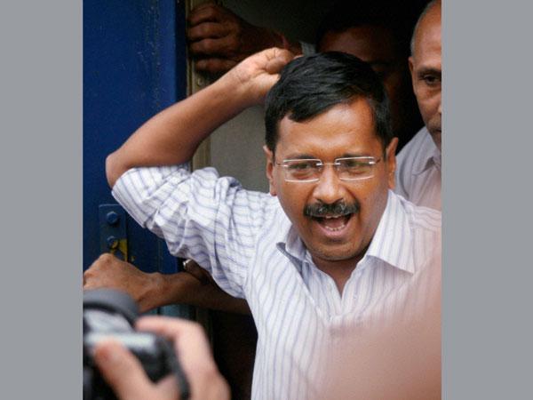 Kejriwal to arrive in Varanasi on Apr 14