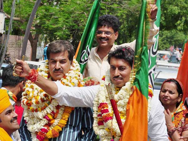 Rajyavardhan Singh Rathore during an election campaign