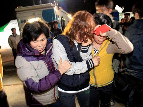Vice principal rescued from doomed South Korean ferry found hanging: