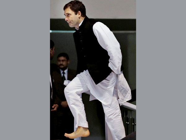 Rahul Gandhi cancels his Lalganj meeting