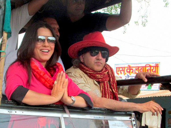 Actress Mahima Chaudhary campaigns for Amar Singh