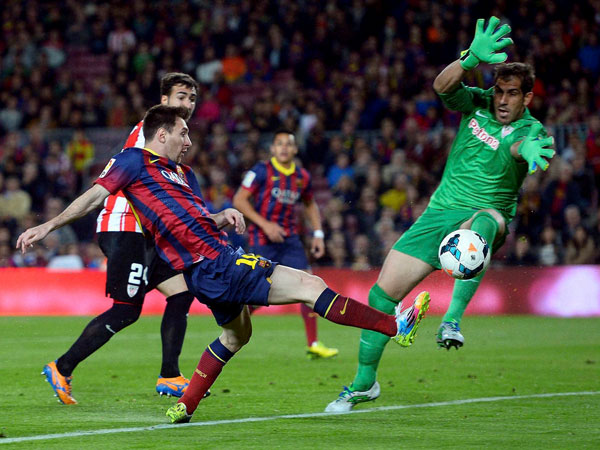 Messi duels for the ball