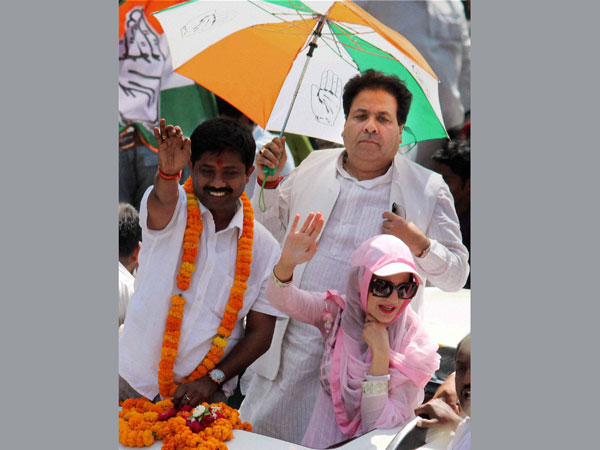 Amisha Patel during an election roadshow