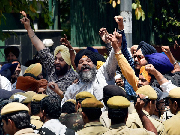 Sikh protesters during a protest against Congress leaders