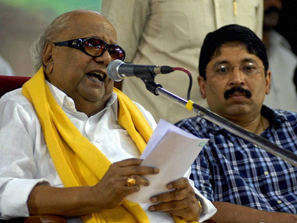 Karunanidhi addresses at an election campaign