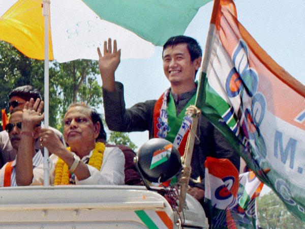 Baichung Bhutia during an election roadshow