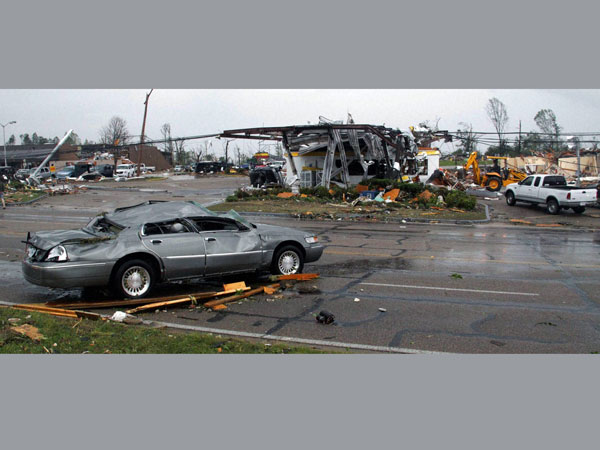 Tornadoes rip across US