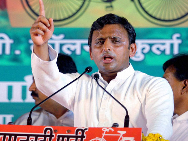 People will vote for secular leaders: Akhilesh after Modi's nomination