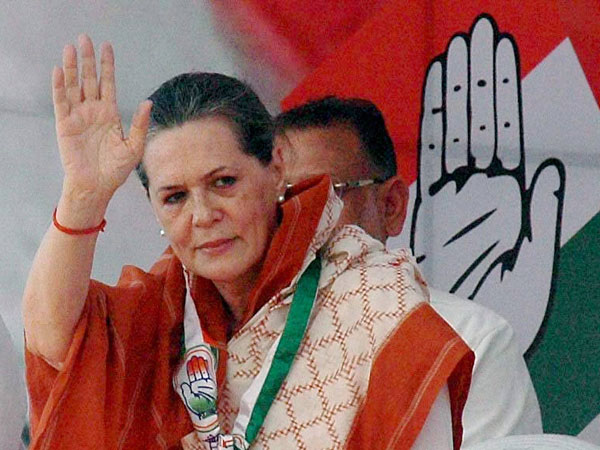 Sonia slams BJP for shielding corrupt leaders in MP