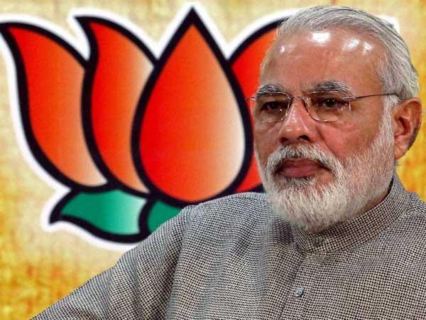 Modi offers worship at Tirupati