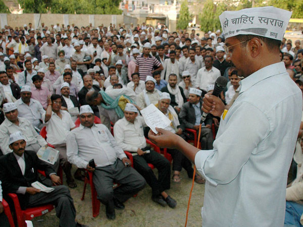 rvind Kejriwal addressing the lawyers during his election campaign