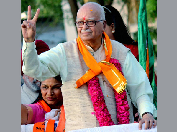 Advani favours US-style debate in India