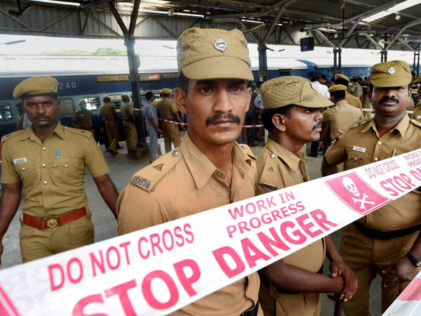 Chennai train blasts: Police looking for 'bald man'