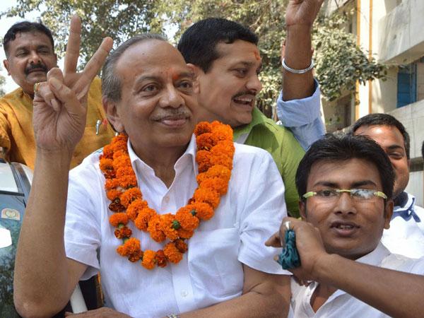 Gopal Prasad Sinha's wife passes away