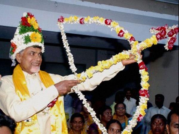 Modi, Rajnath congratulate Chandrababu on good show in AP