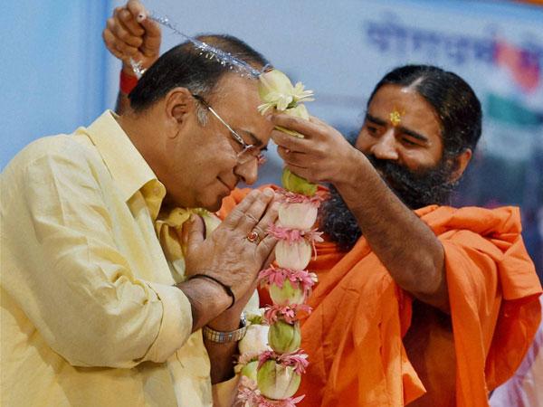 Arun Jaitley compares Ramdev to Mahatma