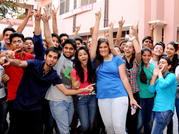 Girls outshine boys in CBSE exams